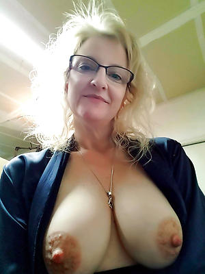 Amateur pics of mature women in glasses