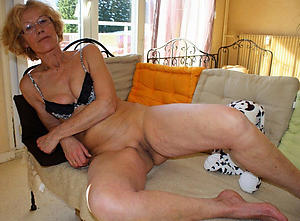 Sexy mature women in glasses undress pics