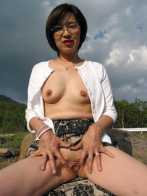 Nude asian mature women photo