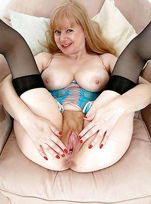 Sexy mature column vagina nude pictures