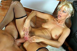 Free naked mature moms sex photo