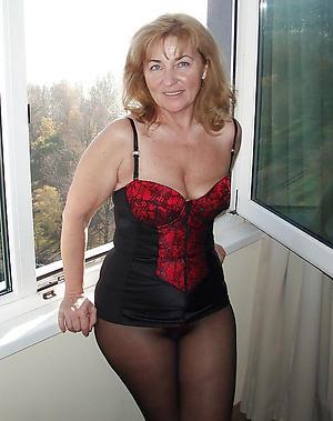 Sexy mature women pantyhose pics