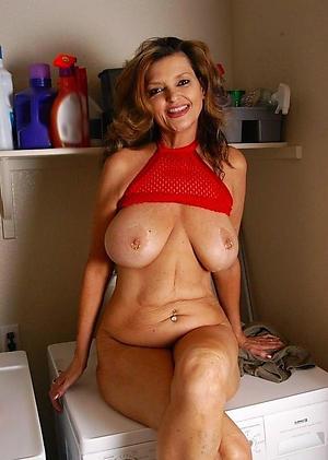 Nude mature hot babes pics