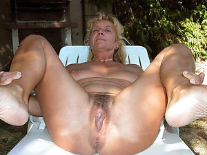 Hot mature pussy outfall porn pictures