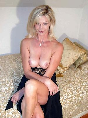 Pretty beautiful mature pussies nude pics