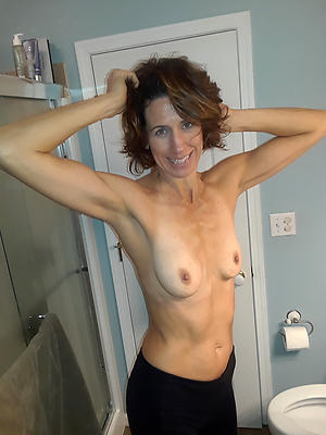 Slutty skinny mature solo pictures