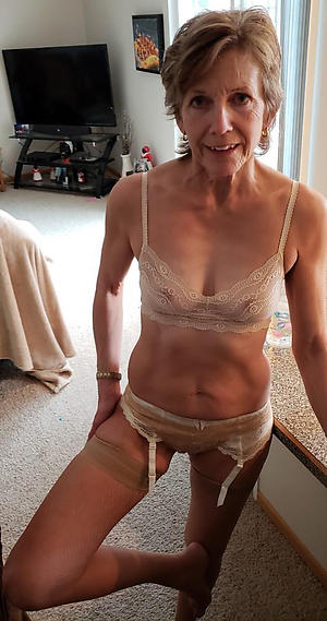 Nude skinny adult small tits