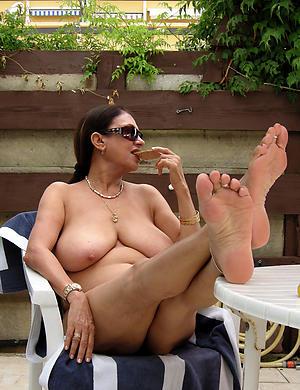 Mature foot pussy pics