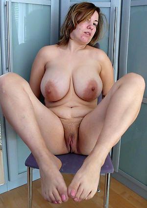 Amazing mature feet gallery