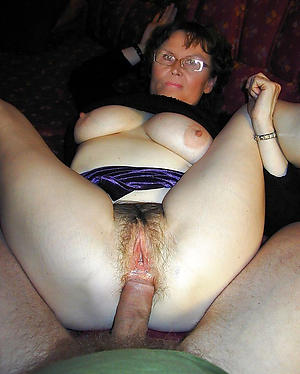 Amateur pics of mature woman fuck
