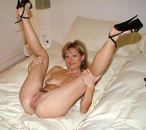 Mature legs wideness pussy pics