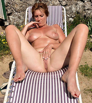 Nude sexy mature fingertips