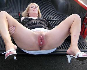 Mature naked legs ichor porn