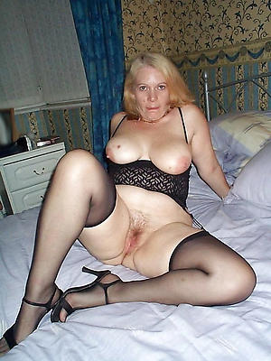 Amateur pics of mature milf over 40