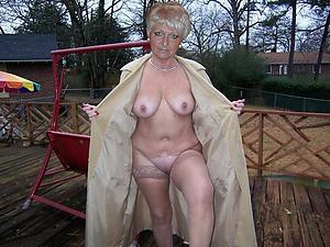 Mature single women pussy pics
