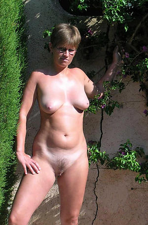 Amateur pics be useful to mature hotties unveil