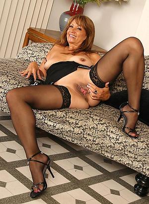 Xxx grown up woman in heels nude photos