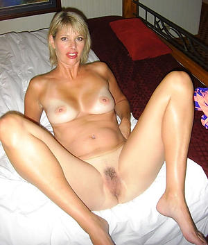 Mature white young gentleman pussy pics
