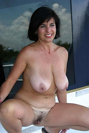 Amateur pics be useful to xxx mature pussy