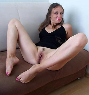 Naughty mature feet pictures