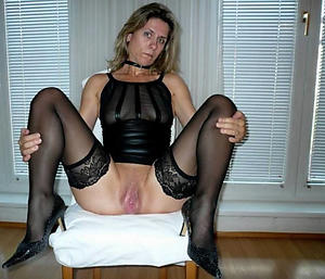 Slutty mature girlfriend nude pics