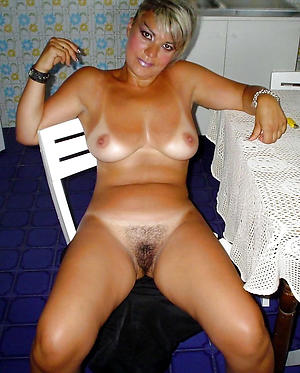 Busty mature girlfriend nude pictures