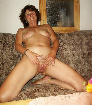 Wet pussy european mature nude photos