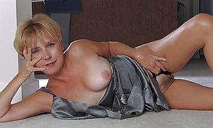 Sexy full-grown cougar women porno xxx