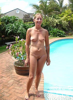 Naked mature cougar battalion fotos