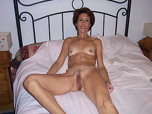 Xxx mature skinny nude pictures