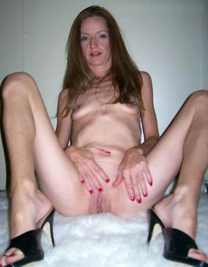 Wet pussy skinny mature pic