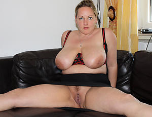 Amateur pics of order about mature mom