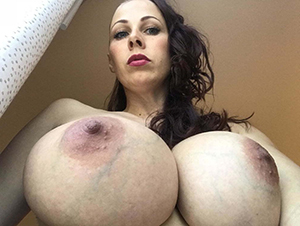 Hot porn of busty matured mom