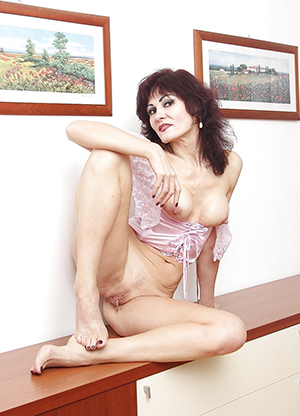 Dilettante pics of sexy classic mature