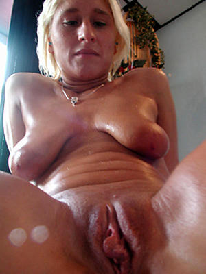 Naked wet mature shaft pussy pictures