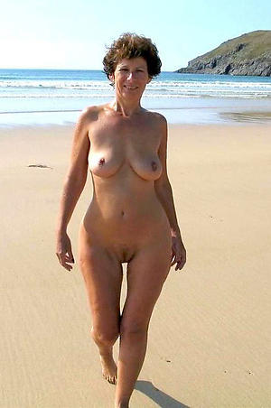 Nude mature within reach the beach slut pics