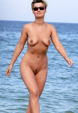 Hot porn of mature beach women