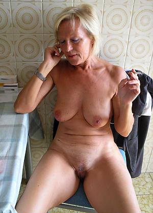 Amateurish pics of hot mature naked