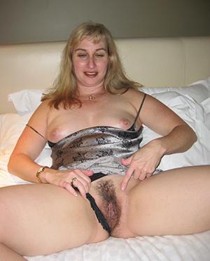 Slutty mature homemade naked photos
