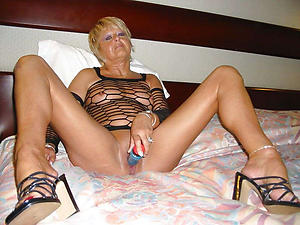 Hot chaste mature women porn pics
