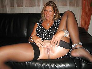 Amateur sexy mature moms porn pics