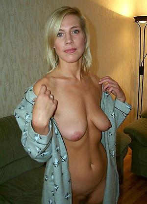Nude abandoned mature moms pics