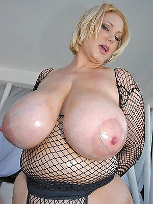 Amateur pics of big natural knockers mature