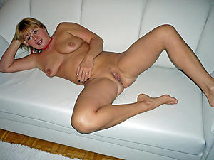 Slutty nude mature hands pics