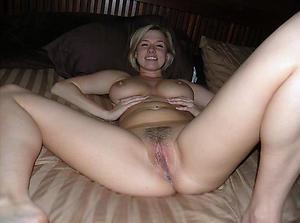 Amateur mature morose legs porn pics