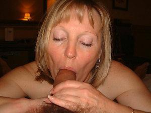 Amateur pics of older women giving men blowjobs