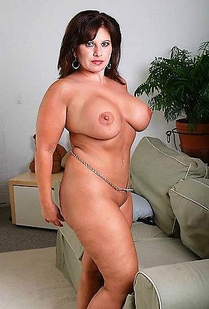 Slutty chubby milf porn
