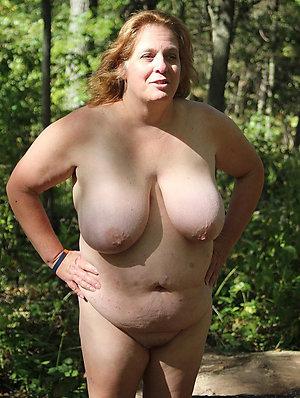 Pretty chubby women naked