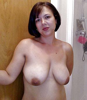 Naked hot brunette women