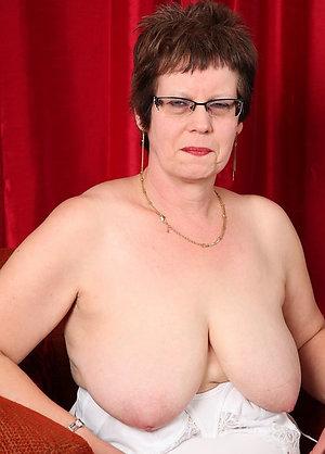 Sexy nude brunette old women